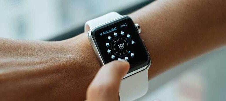 Apple Watch卡在標誌